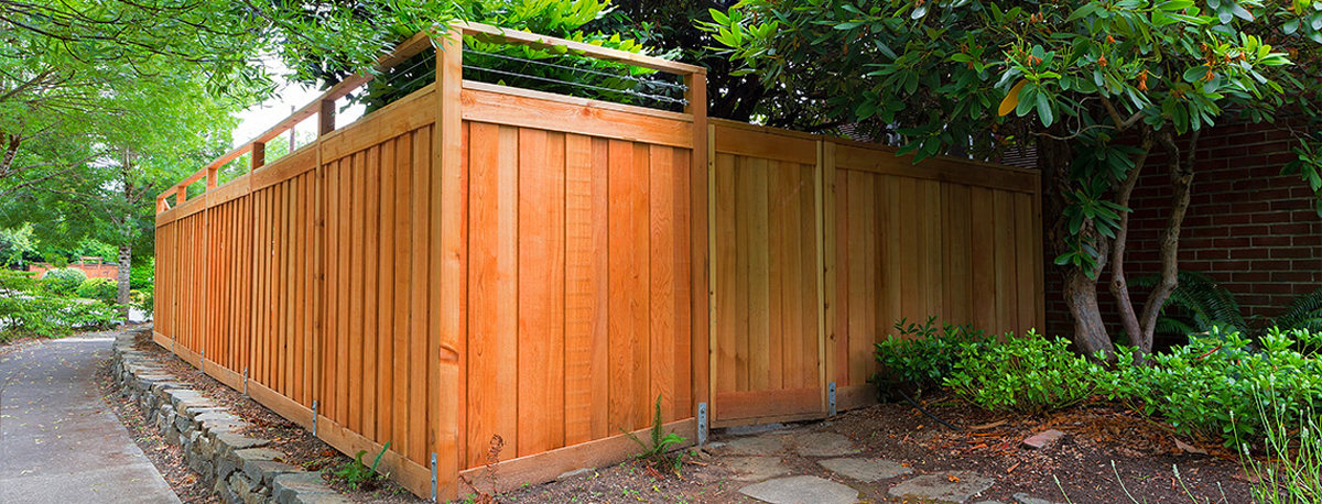 Western Red Cedar fence around yard